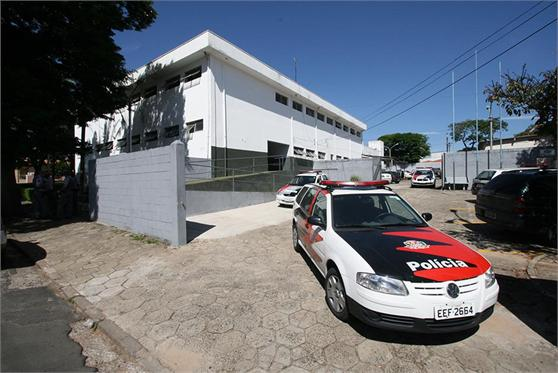 Dupla é presa por tráfico na Vila Soma