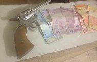 Rapaz é preso após roubo na Estrada Municipal Teodor Condiev