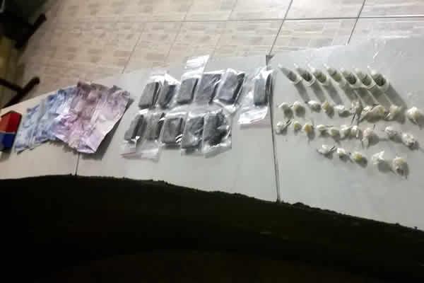 Homem é preso com drogas em condomínio CDHU