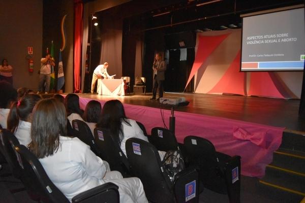 'Sumaré Veste Rosa' traz palestras sobre Violência Sexual e Câncer de Mama