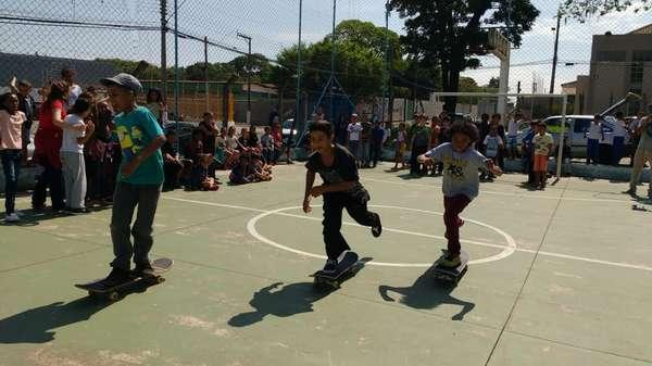 """Projeto """"Skate do Bem"""" segue nas escolas de Sumaré"""