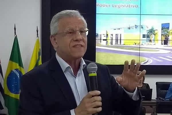 Justiça condena prefeito Ângelo Perugini, por improbidade administrativa