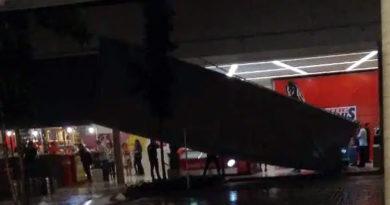 Estrutura do Shopping Sumaré cai com chuva forte